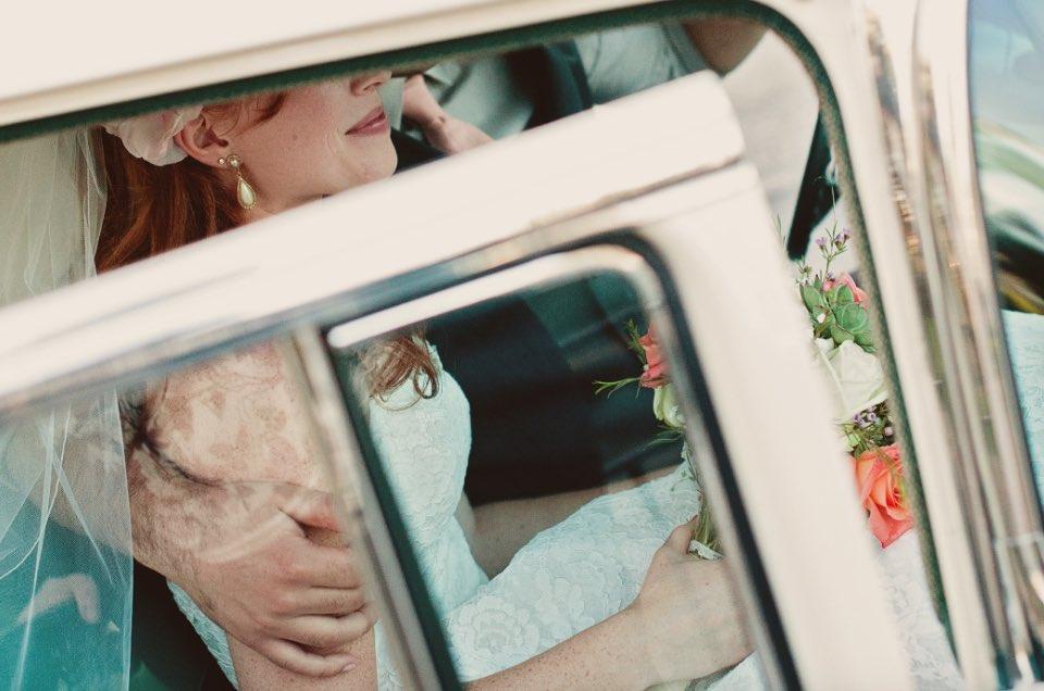 5 tips for arranging your wedding transportation