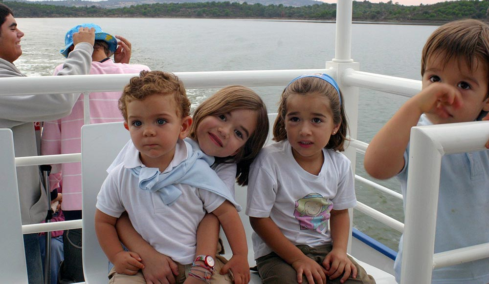 Sail Away With These Family Reunion Planning Tips